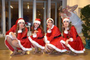 Weihnachtselfchen beim Weihnachtsball Tanzschule Fiedler Schweinfurt